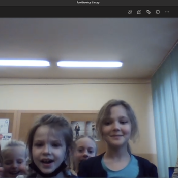 Dzieci uczące się zdalnie